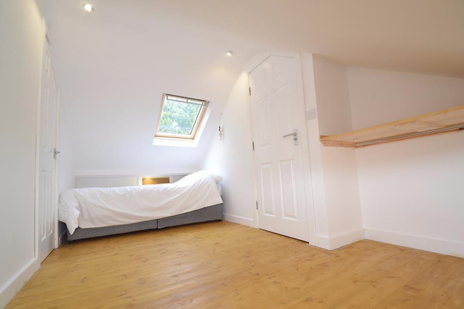 Room to share HAIGH WOOD ROAD, LEEDS, LS16 £350 PCM NO BOND