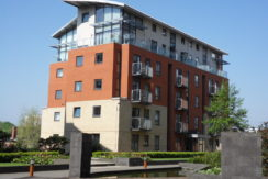 2 bedroom flat to rent Bonaire, City Island, Leeds, £795 pcm