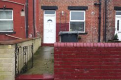 A Nice refurbished 2 Bedroom house..£515pcm